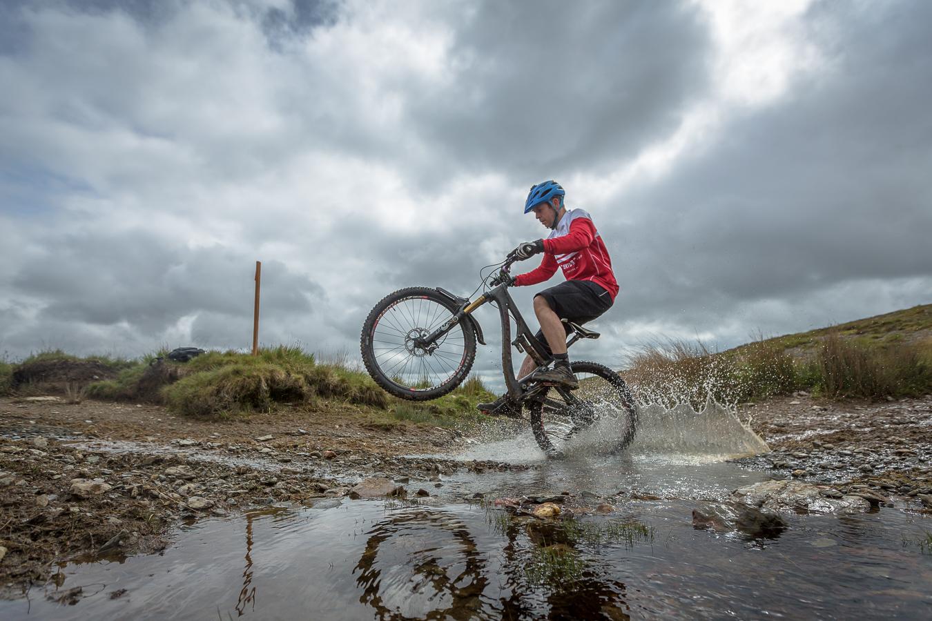 mountain biking, Mynydd Mallaen, pivot, morvelo, wales,
