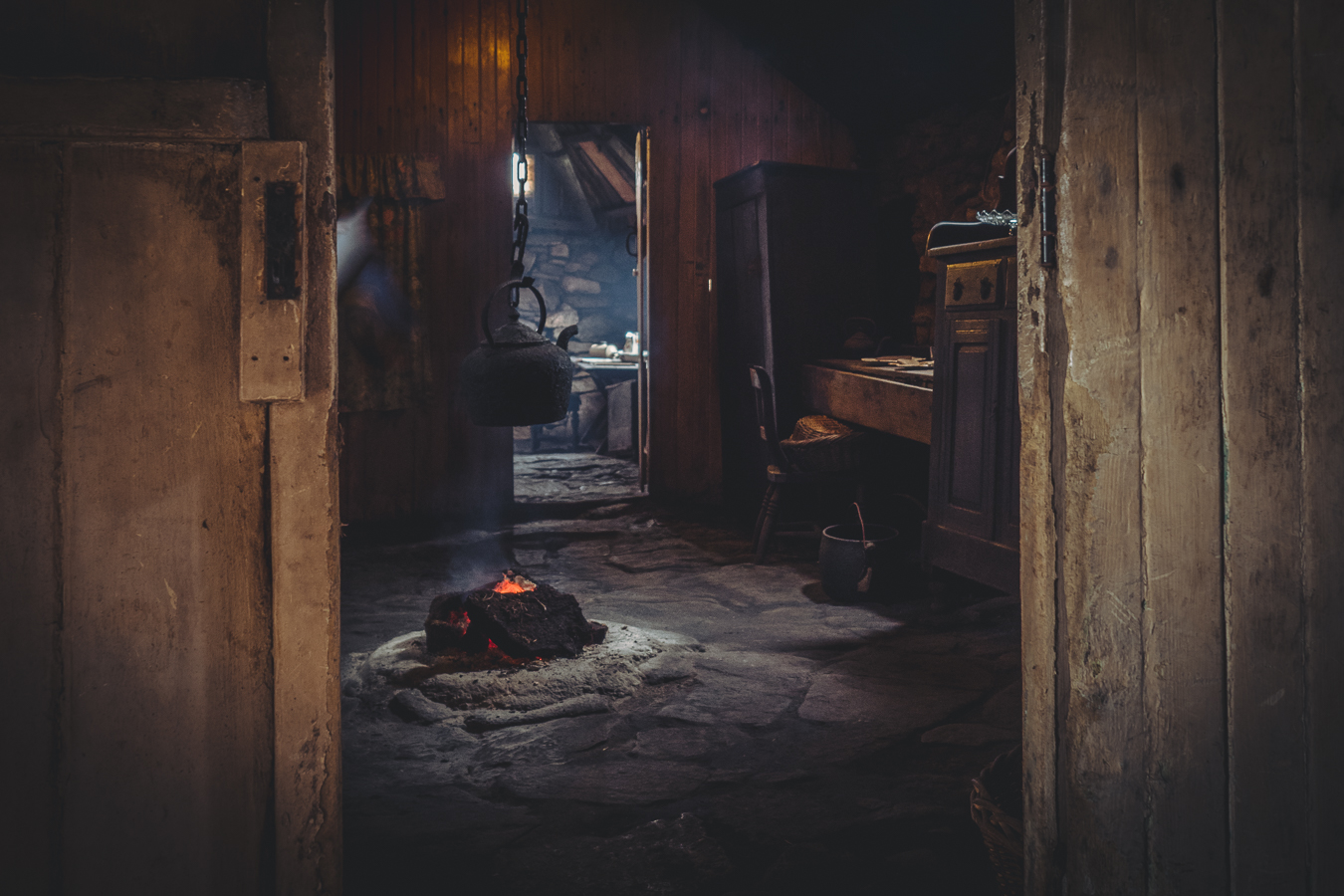black house, Arnol, photography, image, peat fire,