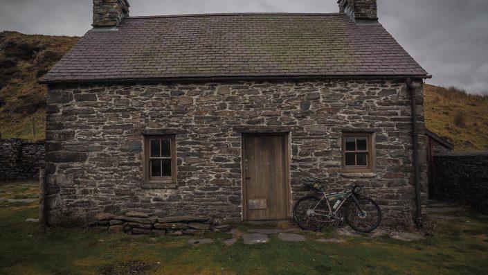 Claerddu bothy, bikepacking, apidura, Why cycles,